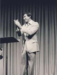 Werner Erhard leading the est training